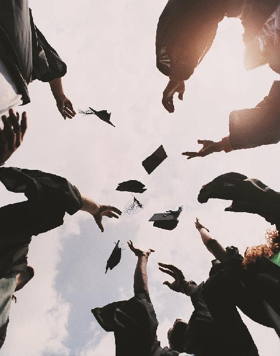 国費の支給型奨学金で海外の大学を卒業しよう