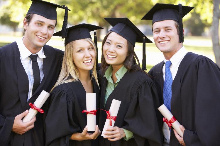 アメリカの大学を2年で卒業する方法